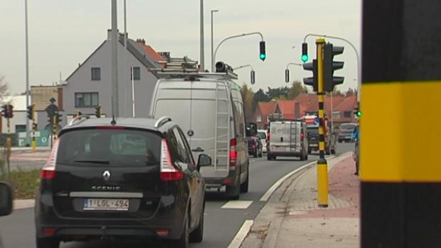 Verkeerslichten lierse ring fout afgesteld rtv for Staalbouw weelde