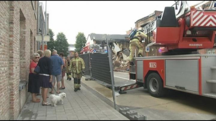 Grote ravage na brand in Berlaar, hond komt om