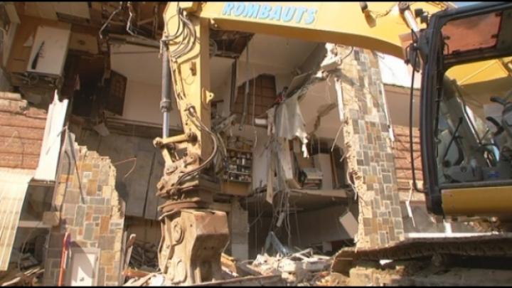Bewoners mogen ingestort appartementsgebouw zelfs niet meer in