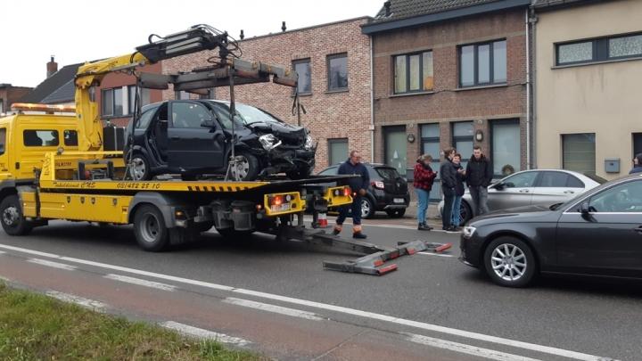 Aarschotsesteenweg In Lier Versperd Door Zwaar Ongeval Rtv