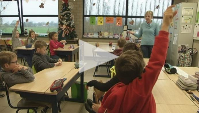 Gepensioneerden nemen het even over in Basisschool Hagelstein