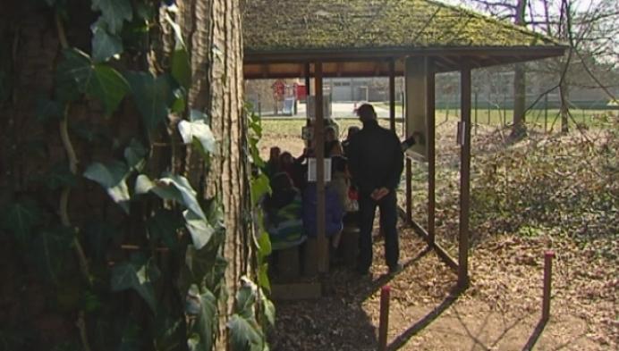 Leerlingen basisschool Klimop krijgen les in openlucht