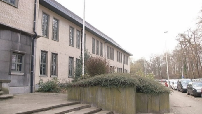 Middenschool Anton Bergmann in Lier blijft bestaan