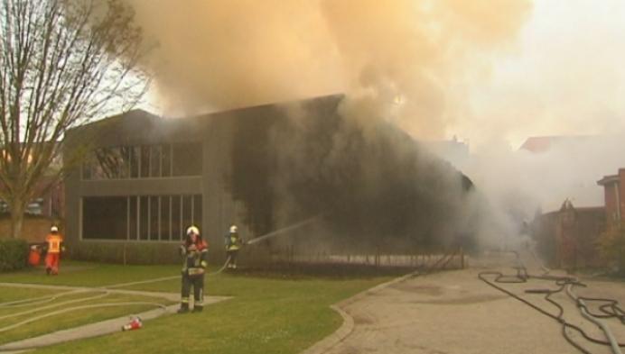 Brand vernielt bekende schoenwinkel