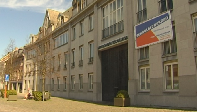 Sint-Romboutscollege schakelt weer callcenter in voor inschrijvingen