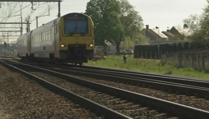 Spoor tussen Herentals en Mol onder stroom