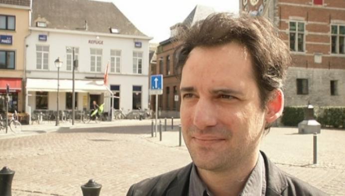 Kroonluchter van De Fortuin verkocht voor 250 euro.