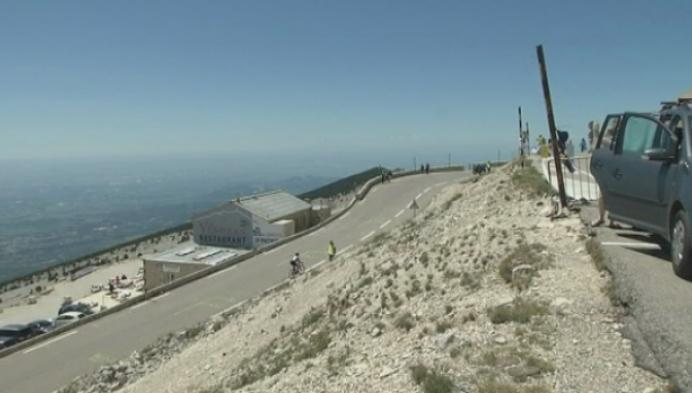 2000 fietsers proberen top van de Mont Ventoux te halen