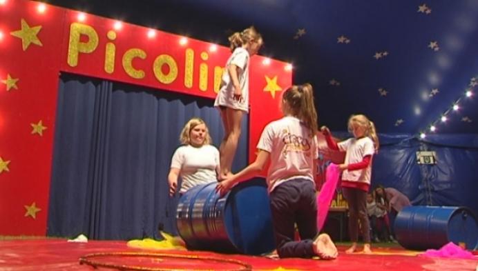 Circus Picolini slaat z'n tent op in Duffel voor circuskamp