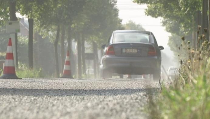 Bewoners Olenseweg stellen zich vragen bij wegdek