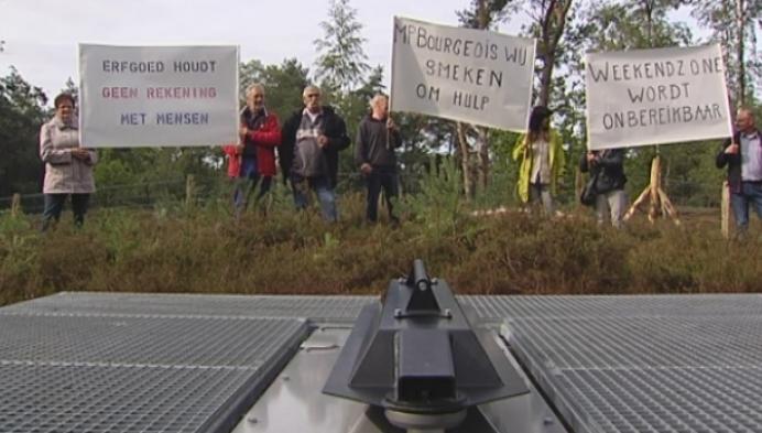Bewoners weekendhuisjes Hoge Miertse Heide willen kiezelweg