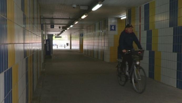 Fietsen door tunneltje Nekkerspoel? Politie houdt extra toezicht