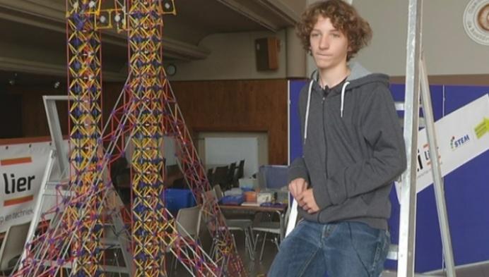 Nelles bouwt grootste reuzenrad ter wereld...in K'nex
