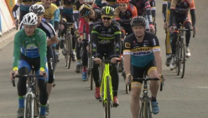 Bart Wellens rijdt laatste ronde in Ruddervoorde