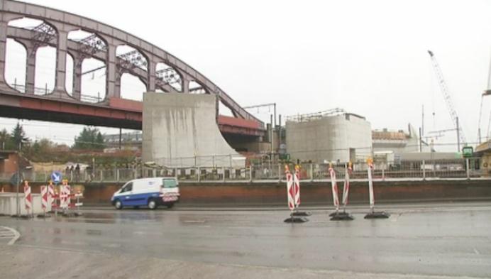 Indrukwekkende kraan op Mechelse spoorwegwerf