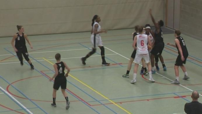 Katelijne wint de topper tegen Waregem in het vrouwenbasket