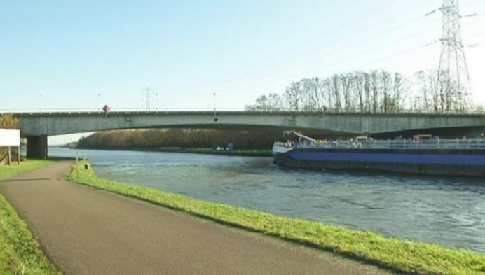 Brug over Albertkanaal wordt verhoogd