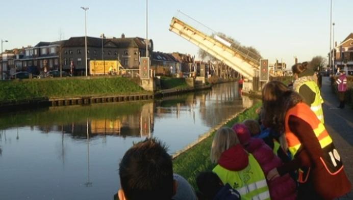 Honderden kinderen ontvangen Sinterklaas in Mechelen