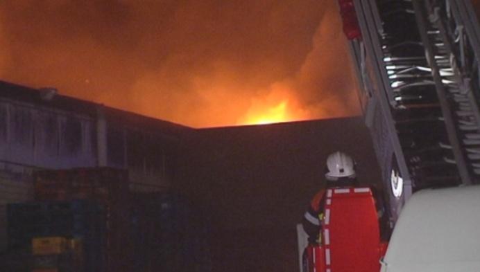 Zware brand in distributiecentrum van Tecno in Herentals