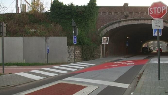 Fiets-o-strade: automobilisten negeren massaal stopbord