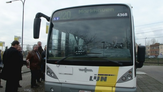 Lijn 220 naar Morkhoven 5 keer meer reizigers dan belbus
