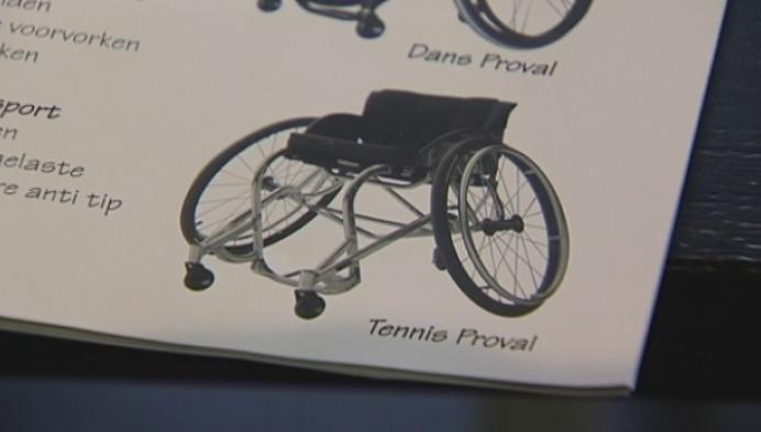 MS-patiënt heeft geld bijeen voor sportrolstoel