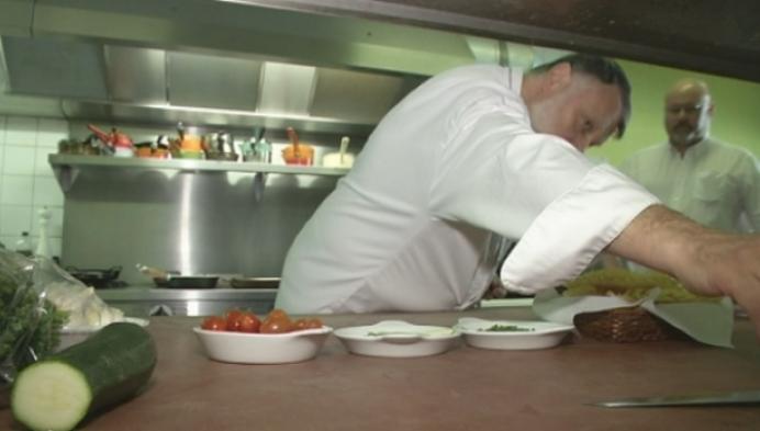 Heistse imitator kookt voor privé-kok van Pavarotti