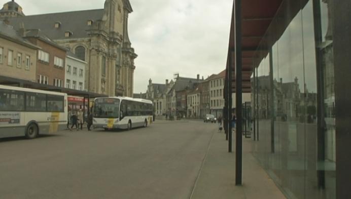Jongen van 14 moet gsm afgeven, redder in nood krijgt vuistslagen in Mechelen