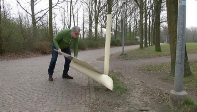 Vandalen laten spoor van vernieling achter in sportpark