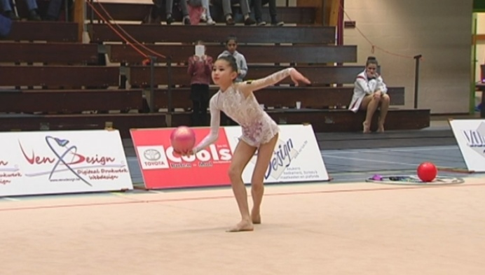 Kaat Wyers pakt zilver op Vlaams kampioenschap ritmische gymnastiek