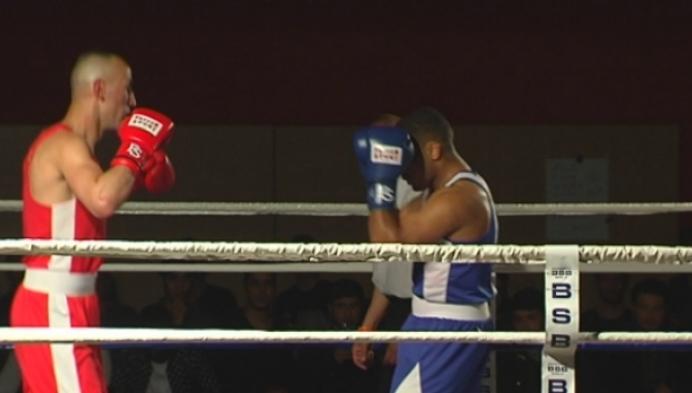 Ervaren boksers en jong talent op boksmeeting Retie