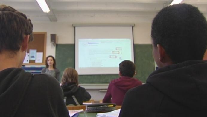 """Stakende leerkrachten vlak voor examens: """"We hebben geen keuze"""""""