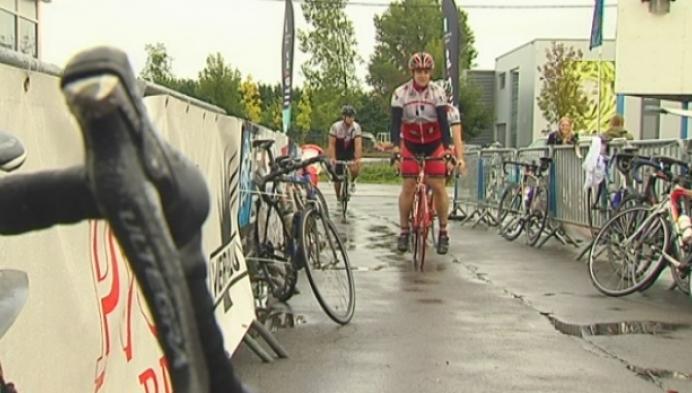 Verwijderde paaltjes hinderen deelnemers aan laatste Veralu Cycling Tour niet