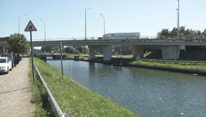 Vrouw gered uit Leuvense Vaart in Mechelen