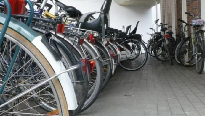 Nijpend gebrek aan fietsenstallingen aan station Nekkerspoel