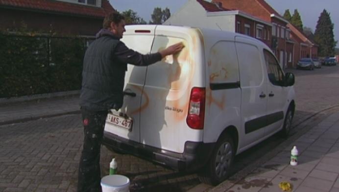 Wie heeft de auto beklad van een gezin uit Beerse?
