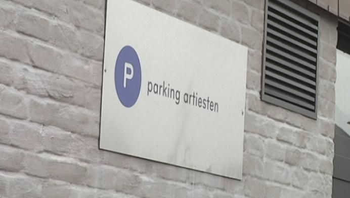 Rolstoeldansers niet op artiestenparking in Heist
