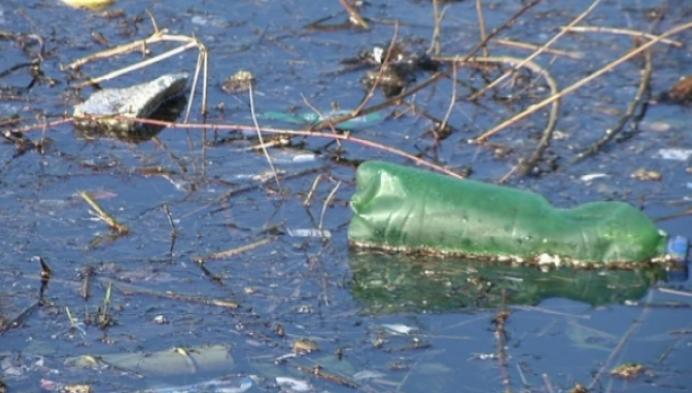 Water aan Sas Klein-Willebroek lijkt wel een groot stort