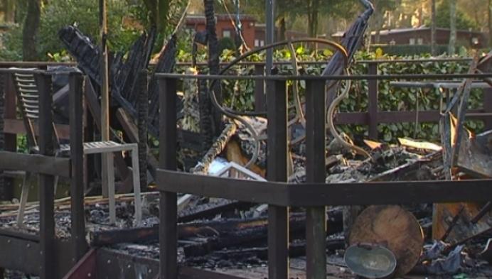 Chalet brandt uit op kampeerverblijf in Poppel