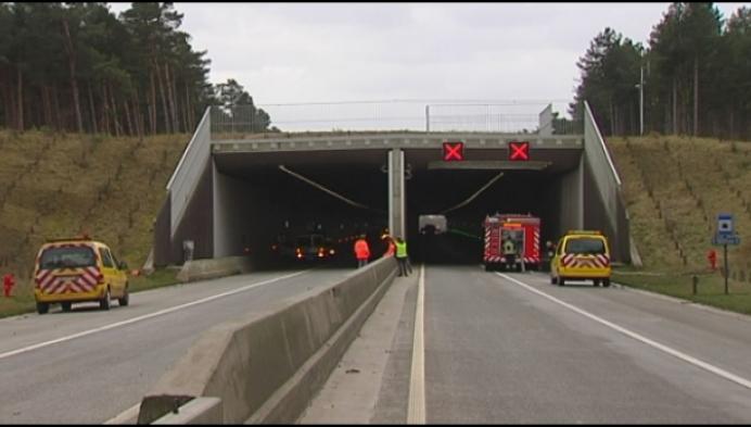 Brandweer houdt rampoefening in tunnel Noord-Zuidverbinding