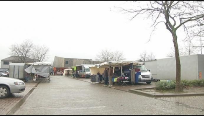 Genoeg regen voor Heistse marktkramers en bezoekers