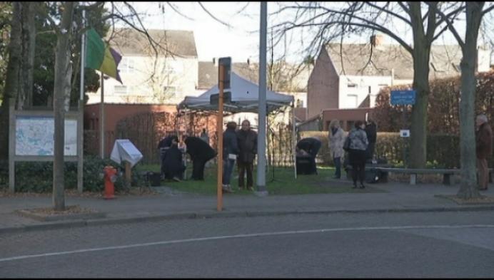 Gedenkplaat in Bonheiden voor slachtoffers aanslagen