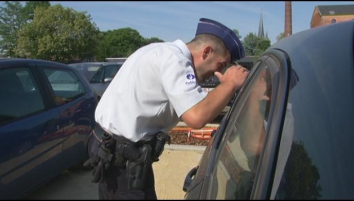 Politie doet extra controles op honden in auto's