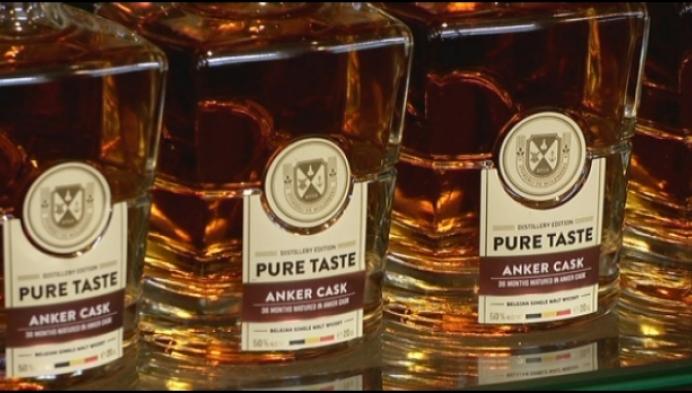 Stokerij maakt eerste Belgische geturfde whisky