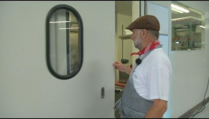 """Luc Vis breidt uit met moderne hangar: """"niet meer werken in de kou"""""""