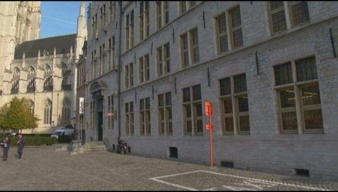 Koen Anciaux hekelt toegankelijkheid postkantoor