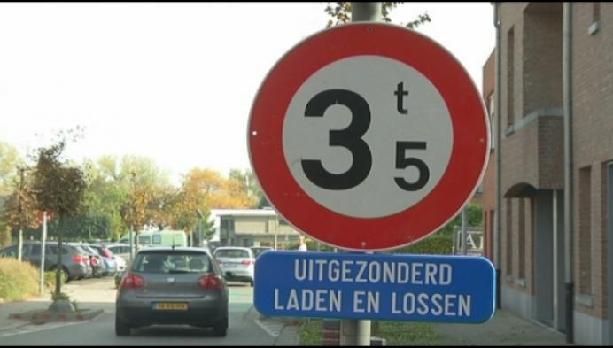 Zwaar verkeer verboden in Minderhout