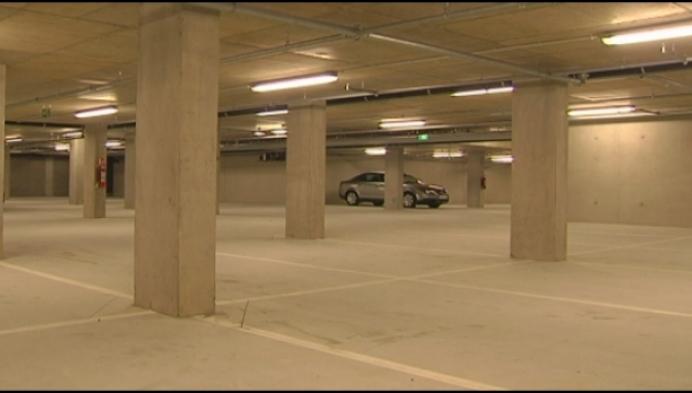 """N-VA Kasterlee: """"Dure, nieuwe parking staat leeg"""""""
