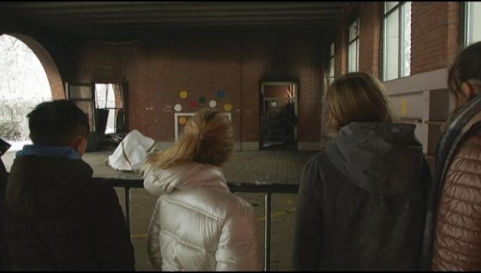 College brengt leerlingen op de hoogte van uitgebrand gebouw