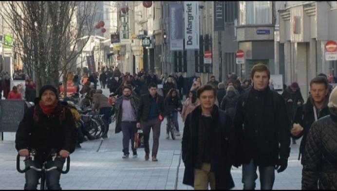 """""""Passage in de winkelstraten soms verdubbeld"""""""